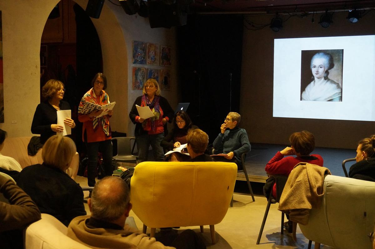 lecture-debat-mai68-femme2